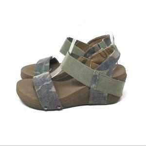Boutique by Corkys Camo Sandals